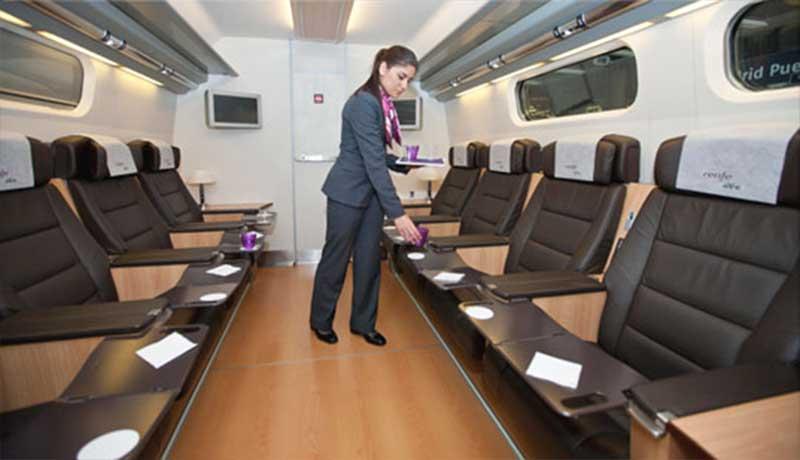 AVE presenta su vagón sala reuniones