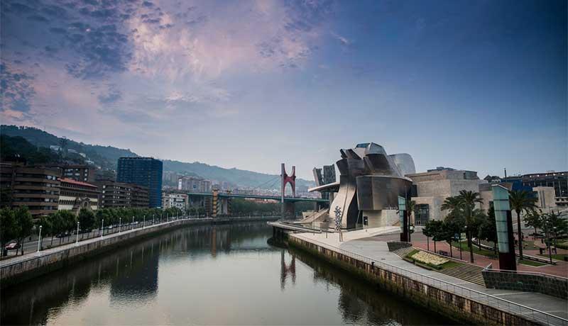 Bilbao es la segunda ciudad más cara de España para dormir